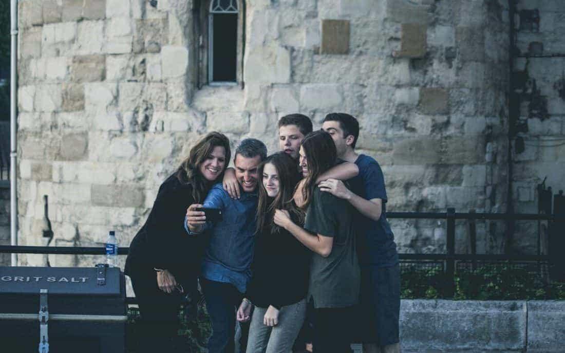Gemeinsam statt einsam: Mehr Spaß und Effizienz im Beruf durch Teamarbeit